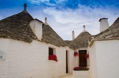 Casas de Trulli en Alberobelo, Apulia, Italia imagen de archivo libre de regalías