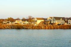 Casas de vacaciones del lago Ontario Fotos de archivo
