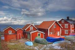 Casas de verão na Suécia no arquipélago fotografia de stock royalty free