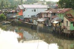 Casas deficientes pelo mar fotos de stock royalty free