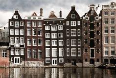 Casas del canal de Amsterdam Fotografía de archivo libre de regalías