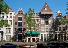 Casas del canal de Amsterdam Fotos de archivo libres de regalías