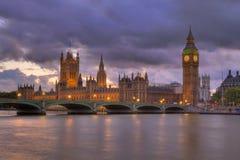 Casas del parlamento en la noche HDR Fotografía de archivo libre de regalías