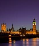 Casas del parlamento en la noche Londres Imagen de archivo libre de regalías