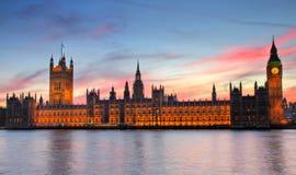 Casas del parlamento en la puesta del sol - versión de HDR Fotografía de archivo libre de regalías