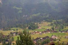 Casas del pueblo en Suiza Imagen de archivo libre de regalías