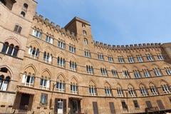 Casas del renacimiento en el Campo en Siena, Italia Imagen de archivo libre de regalías
