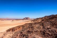 Casas distantes no deserto na peninsula do Sinai Foto de Stock Royalty Free