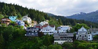 Casas do Alasca que negligenciam a água em Ketchikan Foto de Stock