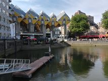 Casas do cubo em Rotterdam imagem de stock