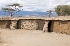 Casas do Masai na vila Fotografia de Stock Royalty Free