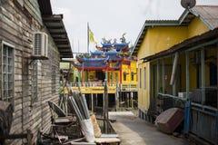 Casas do pernas de pau na aldeia piscatória chinesa em Pulau Ketam perto de Klang Selangor Malásia Imagens de Stock Royalty Free