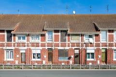 Casas do tijolo vermelho em França fotografia de stock