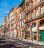 Casas do vintage dos tijolos vermelhos, Toulouse fotos de stock royalty free