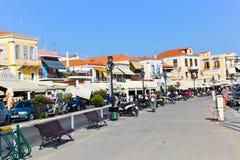 Casas e iate - ilhas de Grécia Fotos de Stock Royalty Free
