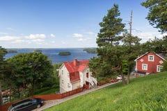 Casas e lago vistos de cima em Tampere Fotos de Stock