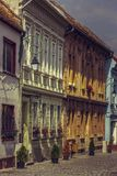 Casas e passeio medievais Imagem de Stock