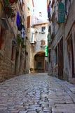Casas e ruas velhas de Rovin Imagens de Stock Royalty Free