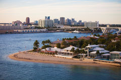 Casas e skyline do Fort Lauderdale Fotografia de Stock