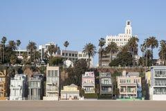 Casas ecléticos da praia de Califórnia Fotos de Stock Royalty Free