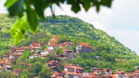 Casas em um monte Imagem de Stock Royalty Free