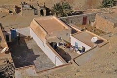Casas em uma vila no deserto Fotografia de Stock Royalty Free