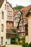 Casas en el bosque negro del schiltach, Alemania Imágenes de archivo libres de regalías