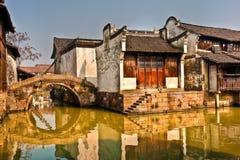 Casas en el canal en China Fotografía de archivo libre de regalías