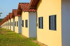 Casas en fila Fotografía de archivo libre de regalías