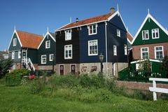 Casas en la aldea turística Marken Foto de archivo