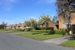 Casas en la calle inglesa Fotos de archivo libres de regalías