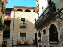Casas en la parte medieval de Girona Imagenes de archivo