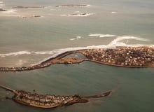 Casas en las islas del océano Fotografía de archivo libre de regalías