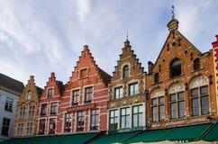 Casas en plaza del mercado Imagen de archivo libre de regalías
