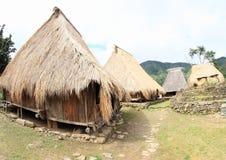 Casas en pueblo tradicional en museo al aire libre en Wologai Imagenes de archivo