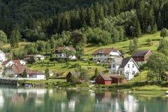 Casas en Stryn Noruega imágenes de archivo libres de regalías