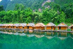 Casas en una balsa Tailandia Fotografía de archivo libre de regalías