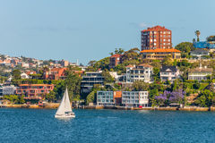 Casas exclusivas ao longo de Sydney Harbor Fotografia de Stock