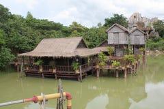 Casas flotantes en Camboya foto de archivo libre de regalías