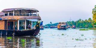 Casas flutuantes nas marés de Kerala em dezembro Fotos de Stock Royalty Free