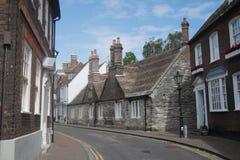Casas Georgian históricas pequenas da rua traseira de Inglaterra da cidade do beira-mar de Poole Dorset imagens de stock