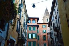 Casas hermosas en Verona, Italia Imagenes de archivo
