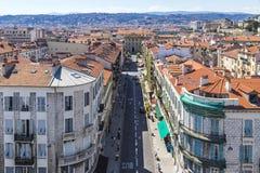 Casas históricas coloridas en Niza la ciudad, Francia Imagen de archivo libre de regalías