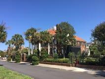 Casas históricas em Murray Blvd, Charleston, SC Fotografia de Stock