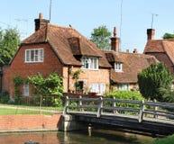 Casas inglesas tradicionales de la aldea Fotografía de archivo