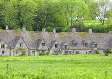 Casas inglesas viejas en un pueblo rural Fotografía de archivo libre de regalías