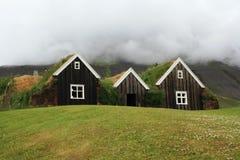 Casas islandêsas tradicionais em Hollar Fotografia de Stock Royalty Free