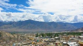 Casas locais no deserto Himalaia, Leh Imagens de Stock