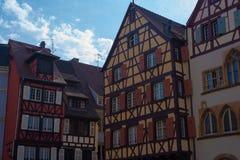 Casas medievais vívidas de Colmar foto de stock