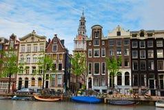 Casas medievales de Amsterdam, Países Bajos Imágenes de archivo libres de regalías